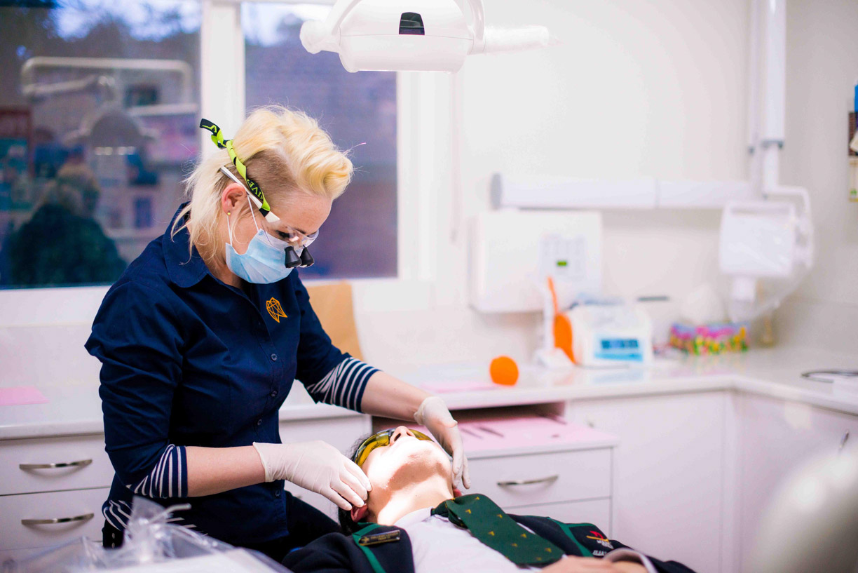 Dentist in Mooroolbark, dental work on a Teenager